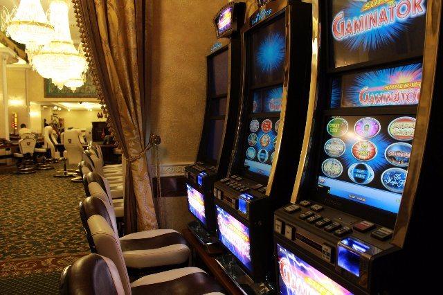 Щедрые бонусы новым игрокам от казино Адмирал