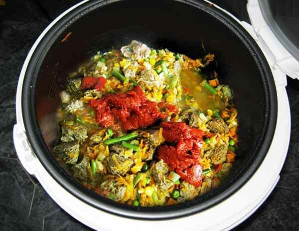 Приготовить говядину с овощами в мультиварке