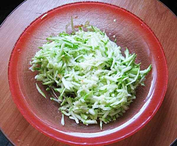 Тушеная капуста с картошкой в мультиварке пошаговый