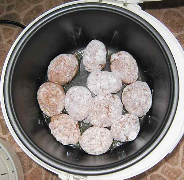 Котлеты из печени в мультиварке
