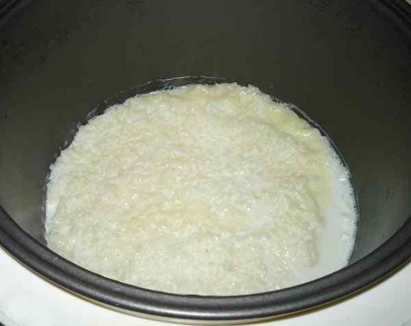 Молочно рисовая каша в мультиварке