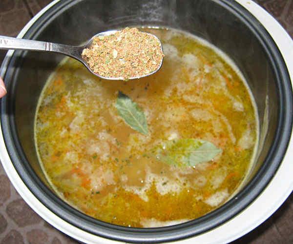 Суп из фасоли в мультиварке