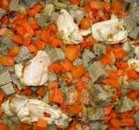 Нарезаем печень говяжью кубиками