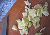 Тонко нарезаем картошку