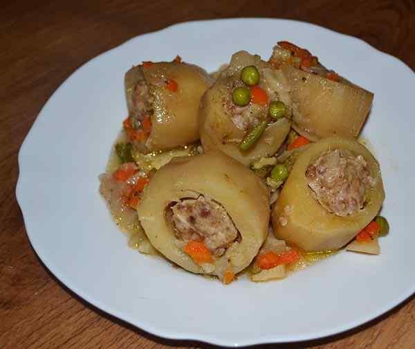 Картофель фаршированный фаршем в мультиварке