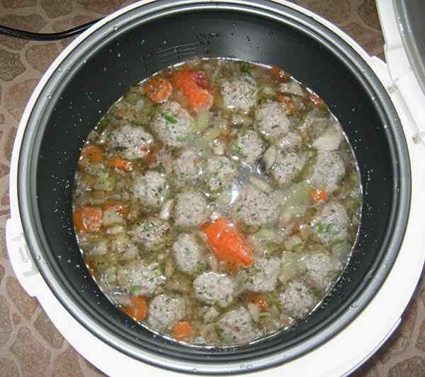 Готовим суп из говядины в мультиварке 60 минут
