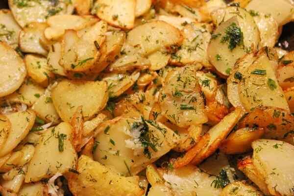 Жареная молодая картошка в мультиварке