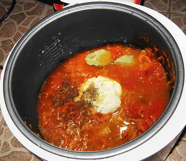Готовим в мультиварке томатную подливу для голубцов