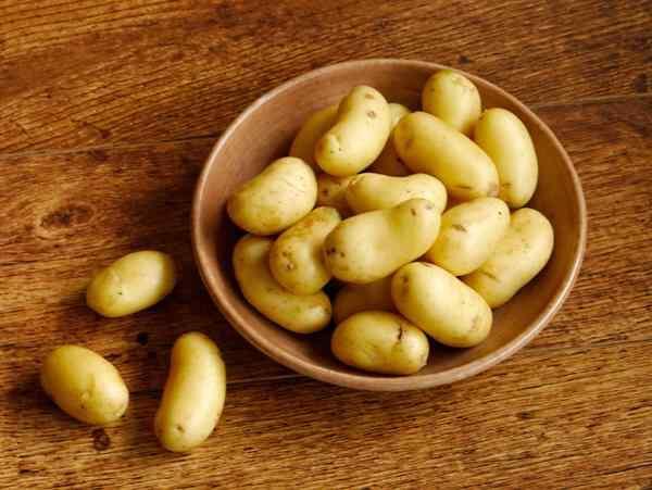 Молодую картошку можно не чистить