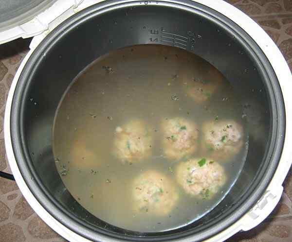 Готовим суп с фрикадельками в мультиварке