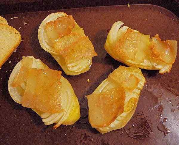 Картошка запеченная с салом и луком