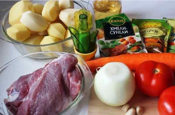 Подготовьте продукты для жаркого с картошкой в мультиварке