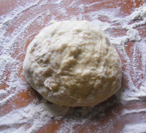 Замешиваем тесто для пирога с маком