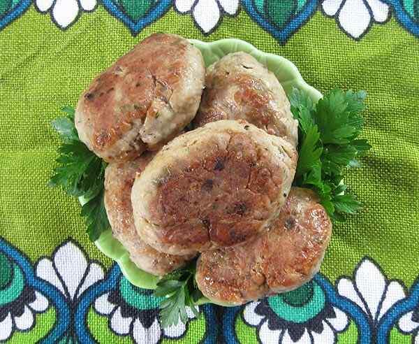 Котлеты из печени и куриного филе в мультиварке