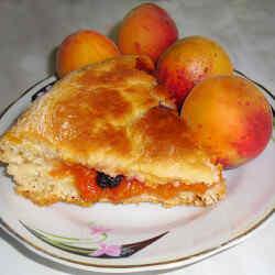 Пирог из дрожжевого теста с вареньем