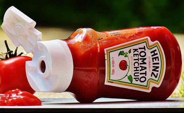 Добавляем в гуляш кетчуп