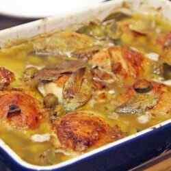 Как приготовить вкусно куриные бедра в духовке