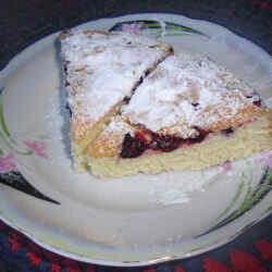 Шарлотка с ягодами рецепт