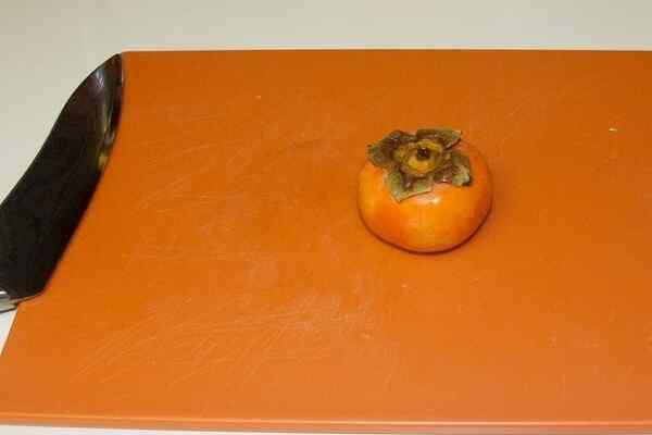 Хурма заменит помидор для бургера - она такая же кисло-сладкая