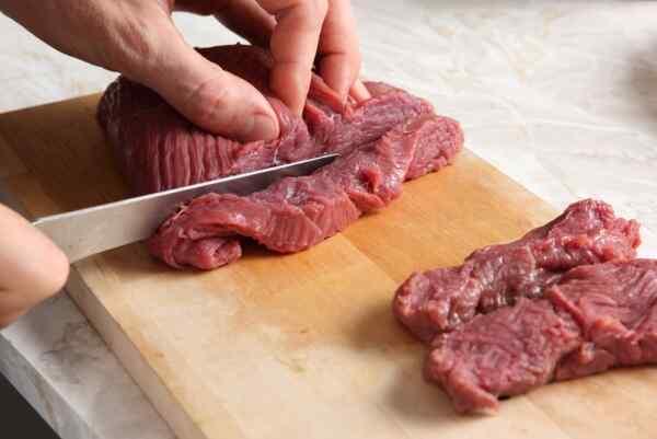 Рулетики из говядины в духовке