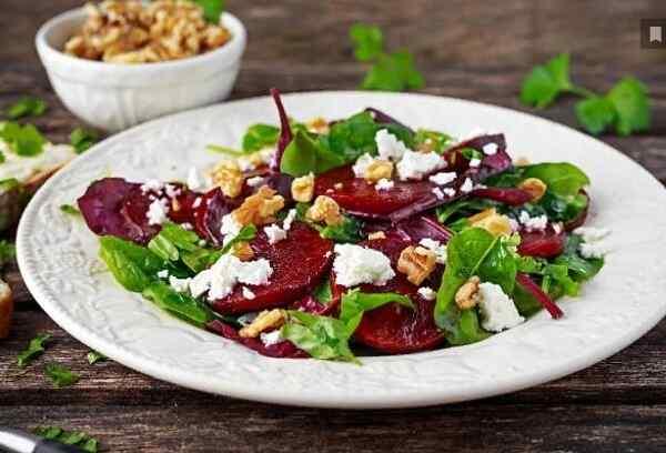 Салат из печеной свеклы рецепт