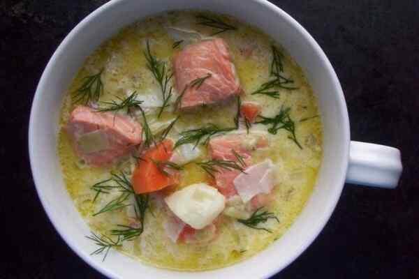 Суп из лосося со сливками Лохикейтто