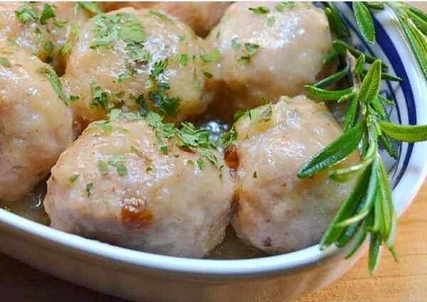 Тефтели куриные в сливочном соусе