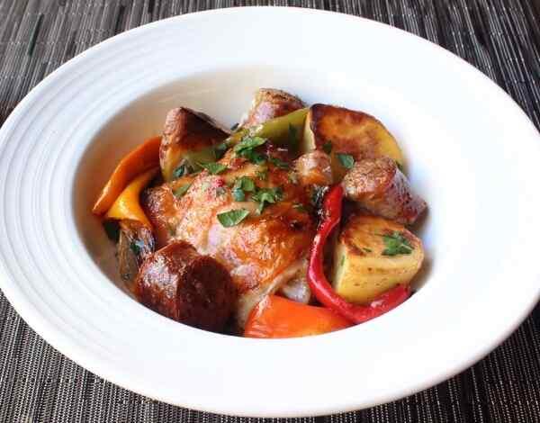Запеченная картошка с курицей в духовке рецепт