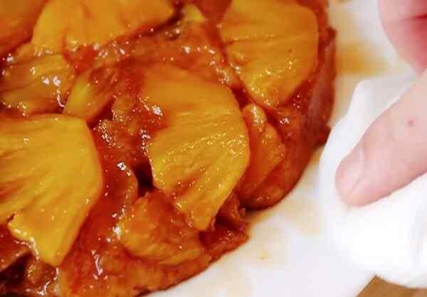 Пирог с ананасом свежим