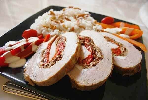 Мясной рулет из свинины запеченный в духовке