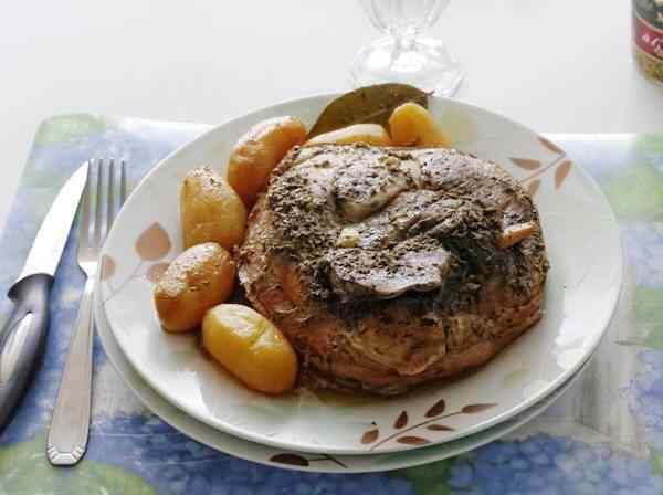 Тушеная картошка с мясом в мультиварке пошаговый