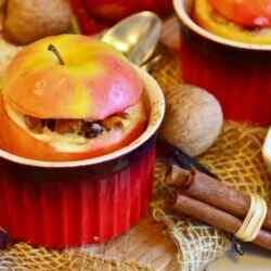 Запеченные яблоки в духовке рецепт с фото