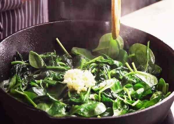 Рецепт картофельного рулета с фаршем