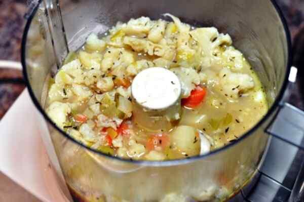 Суп пюре из цветной капусты с сыром
