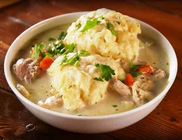 Суп с галушками на курином бульоне