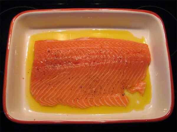 Сколько запекать стейк лосося в духовке