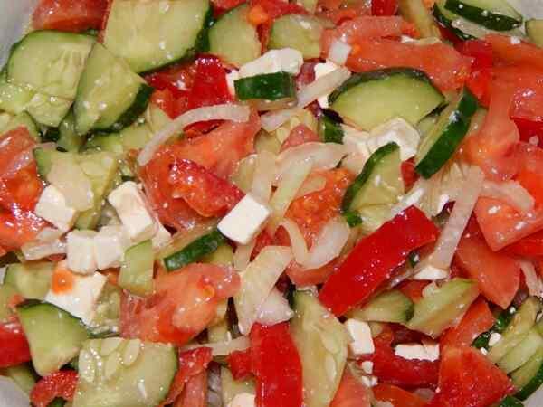 Салат из помидора и огурца с маслом рецепт