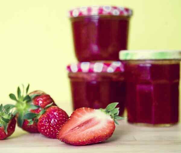 Клубничное варенье густое с целыми ягодами