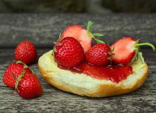 Вкусное клубничное варенье с целыми ягодами рецепт
