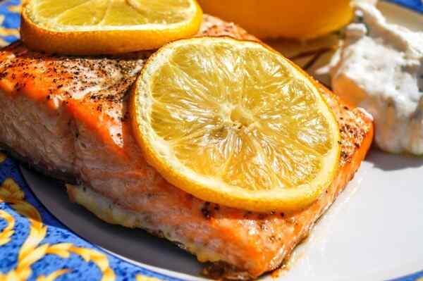 Сколько запекать стейк лосося
