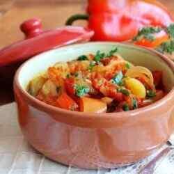 Лечо из перца и помидор в мультиварке