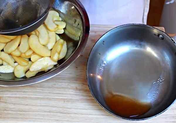 Пирог с яблоками рецепт с фото