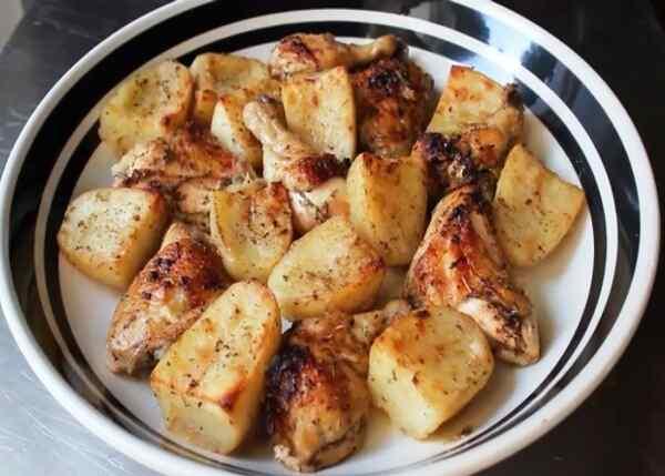 Рецепт окорочков с картошкой в духовке пошагово