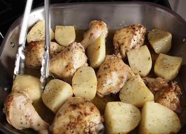 Окорочок куриный запеченный в духовке с картошкой