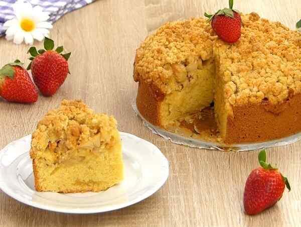 Как приготовить яблочный пирог в духовке простой