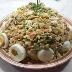 Салат оливье с колбасой классический простой рецепт