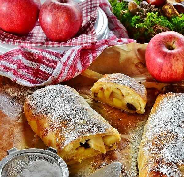 Яблочный штрудель рецепт из слоеного теста бездрожжевое
