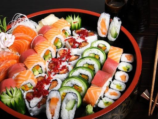 Доставка вкусных и всегда свежих суши и роллов в Усть-Каменогорске